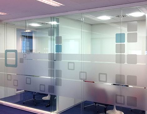 Impresi n vinilos glaseados al cido glass para cristales for Vinilos para oficinas